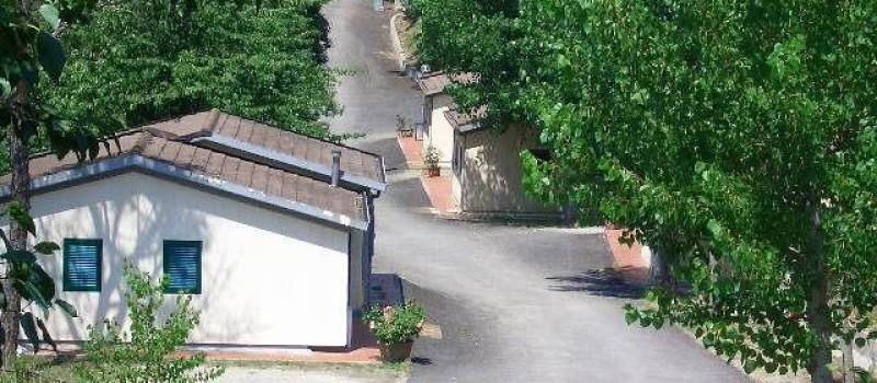 Appartamento in muratura con camera con due letti singoli (o matrimoniale su richiesta), camera...
